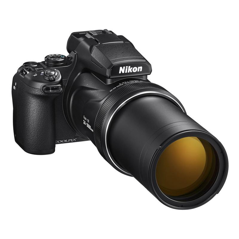 Фотоаппарат Nikon CoolPix P1000 черный 16Mpix Zoom125x 3.2